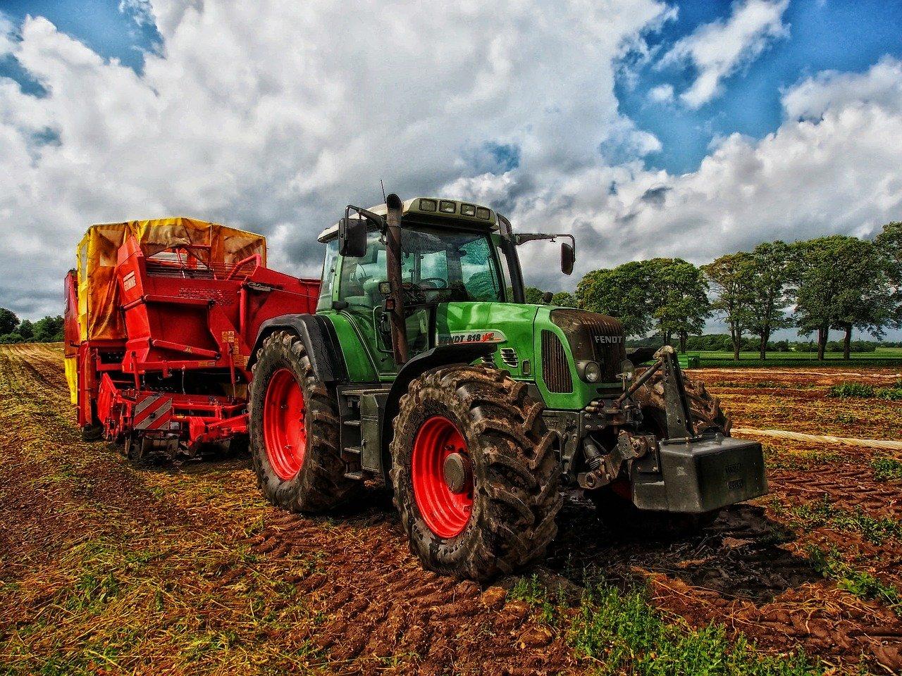 Kmetijstvo in mehanizacija nekoč in danes